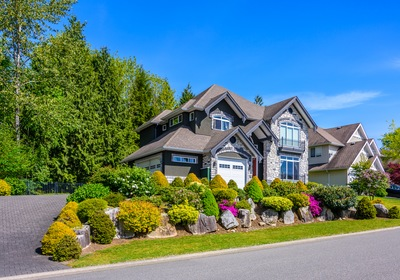 4 Reasons Great Landscaping Increases the Value of Your Home