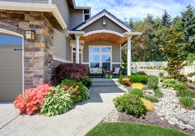 Simple Landscaping Ideas to Improve Your Home's Curb Appeal